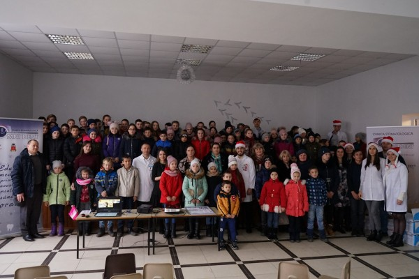 Big celebration at the Balănești gymnasium - dentists from the «Omni Dent» Clinic offered dozens of gifts