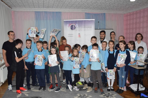 Dentists from the «Omni Dent» dental clinic, the friends of the students from the «Orizont» high school